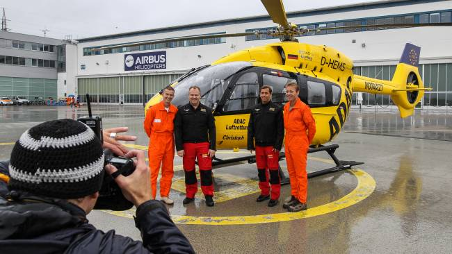 airbus helicopters with Ersteauslieferungec145t2adacluftrettungsn20008 Small Size 6946 on Airbus Helicopters H145   Private 248042 large likewise 2123 moreover Ersteauslieferungec145t2adacluftrettungsn20008 Small Size 6946 in addition 736 likewise File EC 225 Line Drawing.